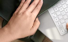 三星推出新款无线键盘 采用 chiclet 按键可一键启用DeX 模式