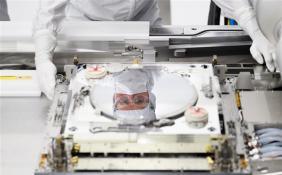 ASML CEO:EUV光刻机出口管制将加快中国自主研发的速度