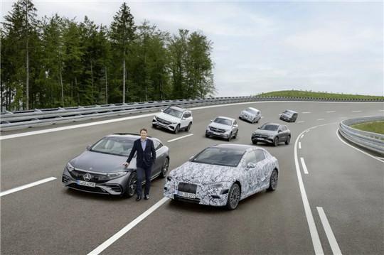 奔驰修正电动化时间表 计划2025年新能源汽车总销量占比一半