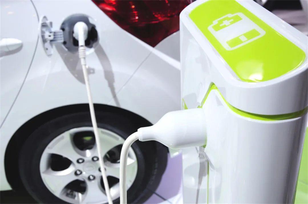 全球电力供应普遍趋紧,是由电动汽车保有量激增所致?